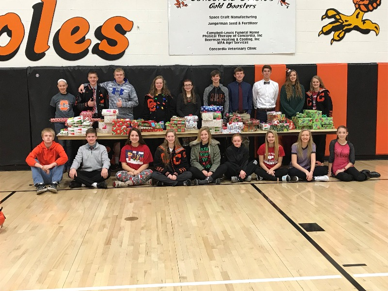 5a3922fed3564CHS Students Collect Over 70 Items For The Angel Tree